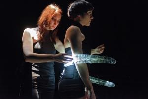 Les Gestes. Marjolaine Lambert et Sophie Breton. Photo : Michael Slobodian.